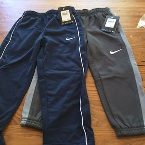 2 Pair Nike Boys Track pants size 4 navy gray NWT